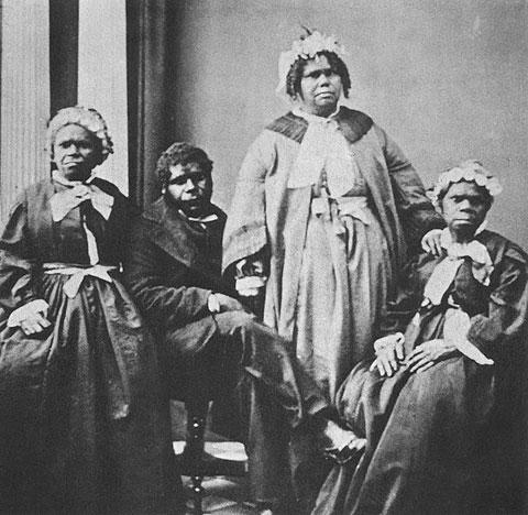 Truganini (re.) und drei weitere, angeblich letzte tasmanische Aborigines.